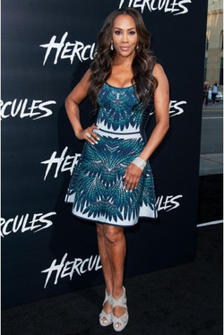 essencecom-vivica-fox-arrives-at-the-premiere-of-paramount-pictures-hercules-at-