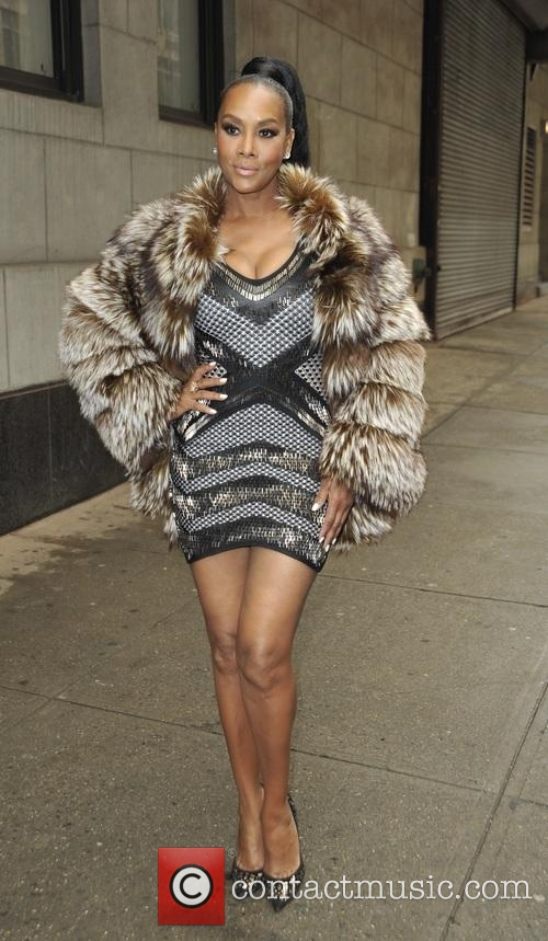 vivica-a-fox-vivica-a-fox-leaving-the_4579518.jpg