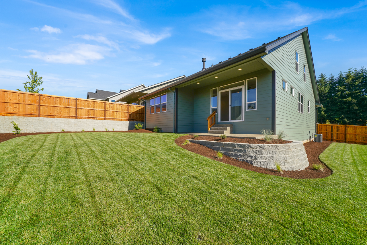 1643 York Butte SE MLS-32