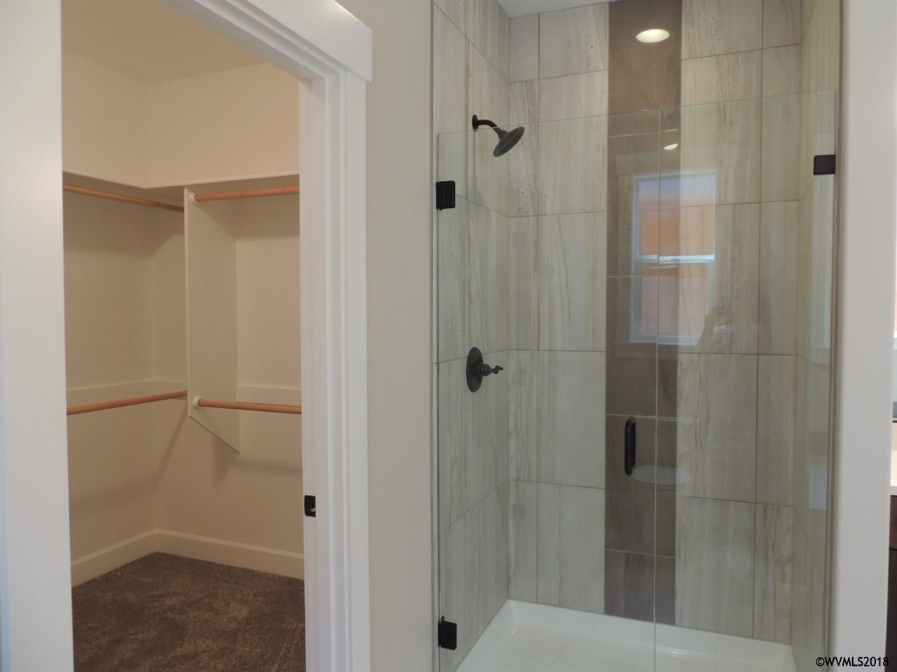 lot 21 shower