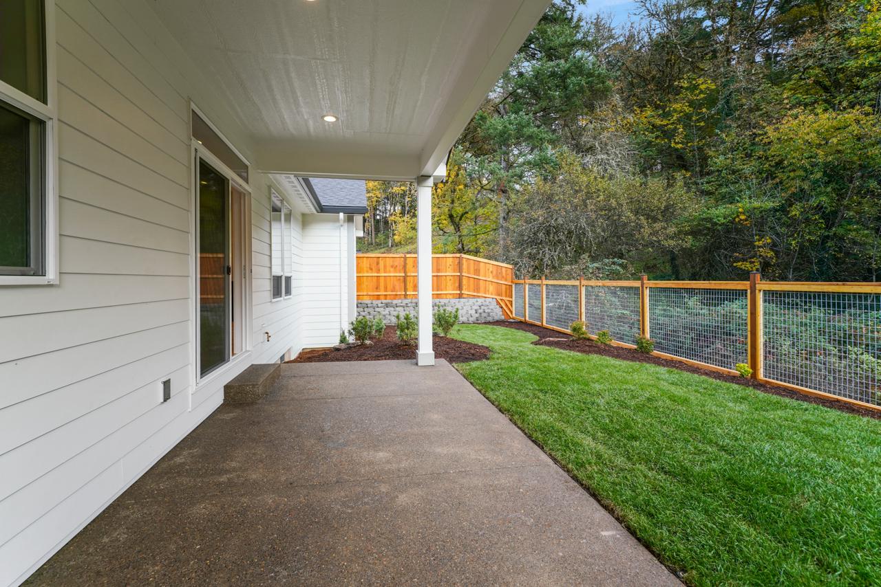 1818 Clover Creek SE MLS-40