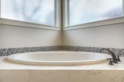 Lot 8 Bath2