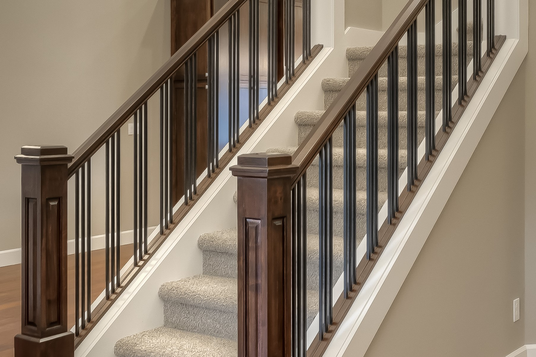 lot 7 stair rail (2)