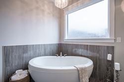 model bath6