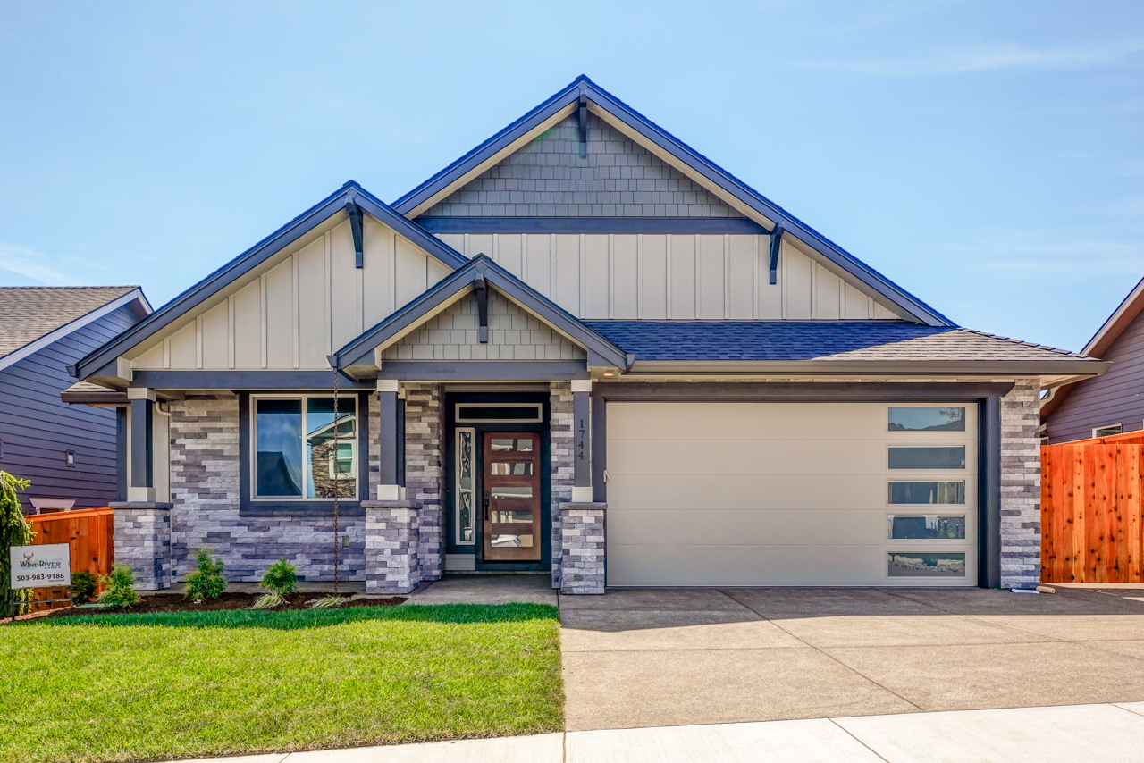 1744 Juniper Butte SE MLS-1
