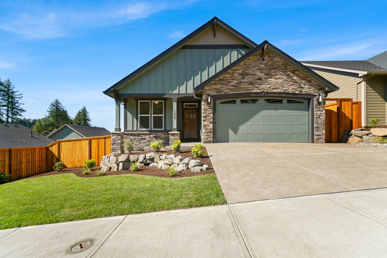 1643 York Butte SE MLS-1