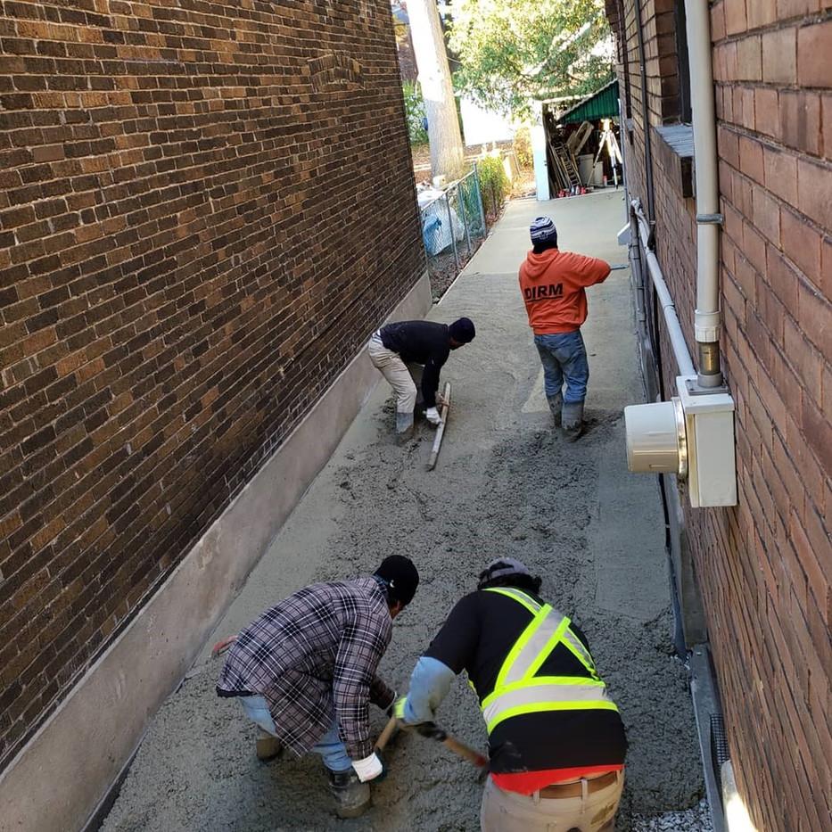 New driveway concrete pour