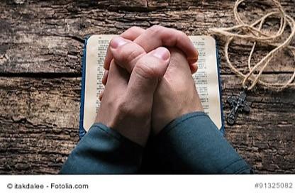 Weihegebet für die Kandidatin bei der Jungfrauenweihe