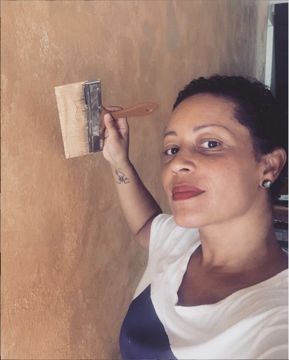 The artist Carole Aurore at work