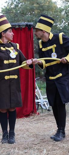 Le duo de jardiniers soldats