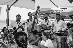MUSICIENS DE TABLE EN TABLE