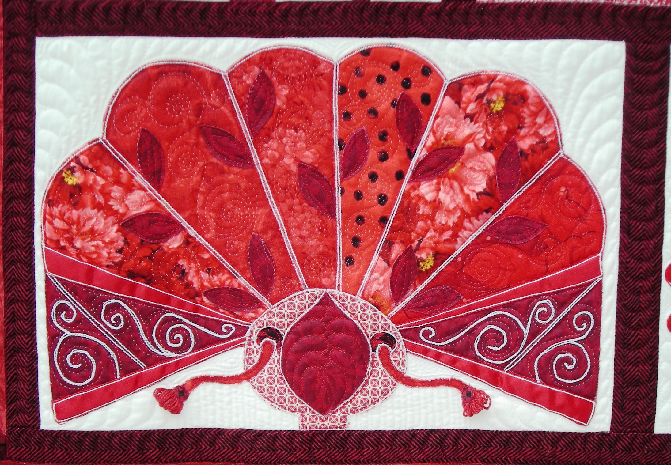 EstherAliu Red Delicious Quilt Detail 5
