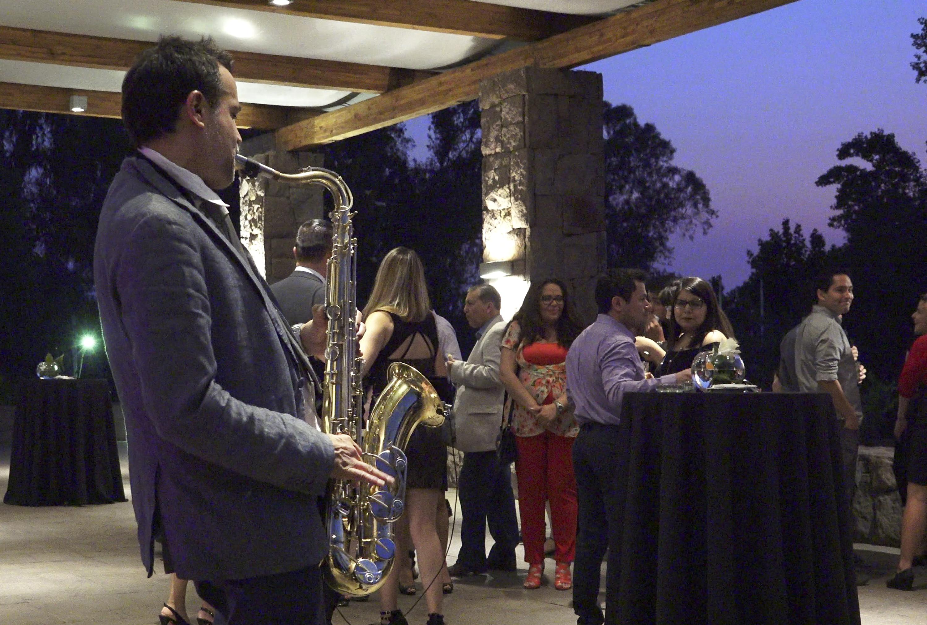 Saxofón en vivo