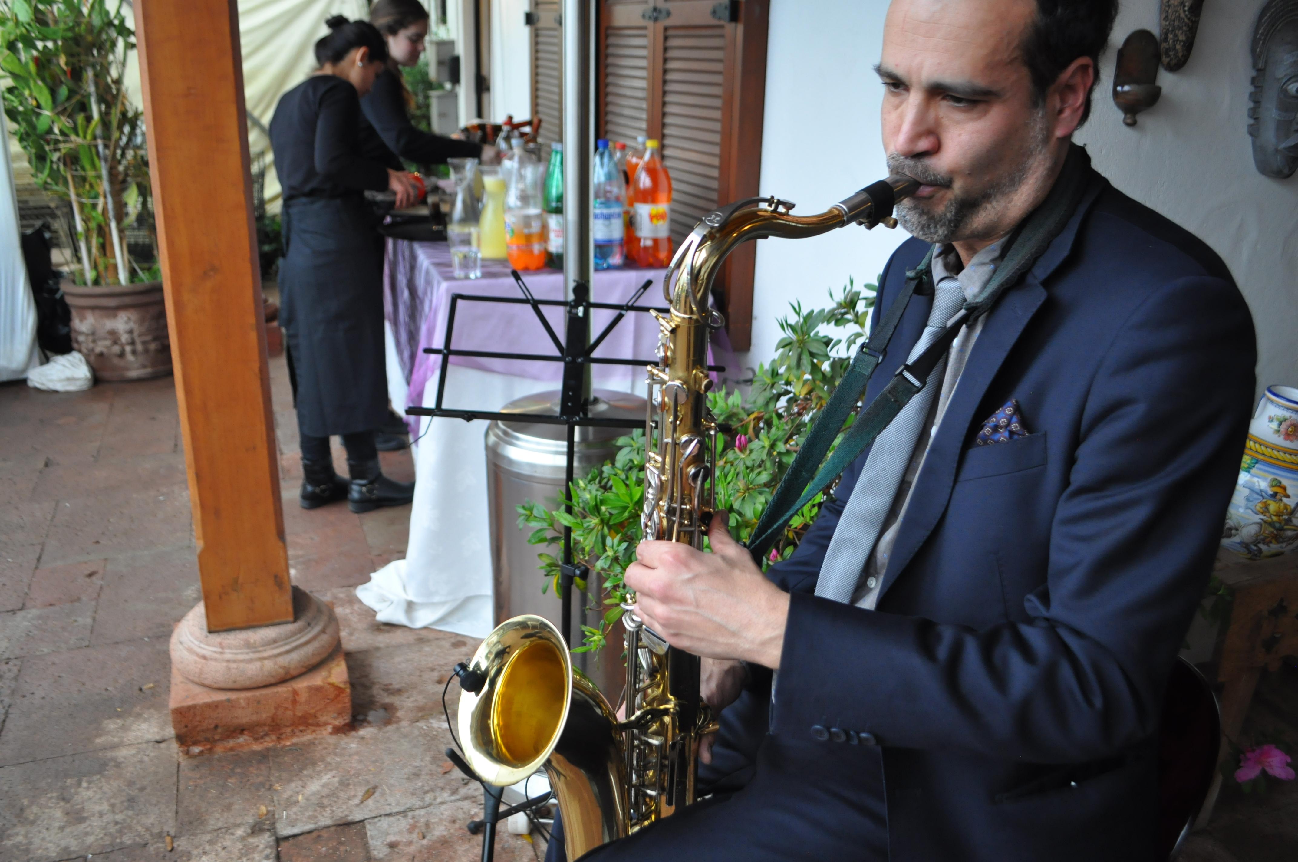 Saxofón para cóctel