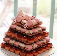 Pyramide choux & macarons
