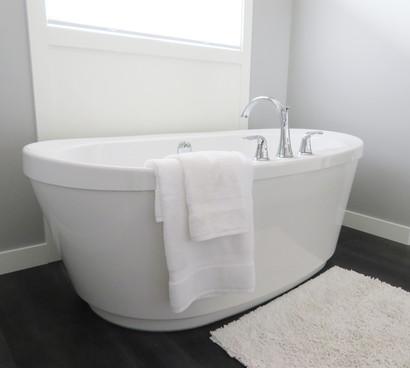 bathroom-bathtub-ceramic-clean-534179.jp