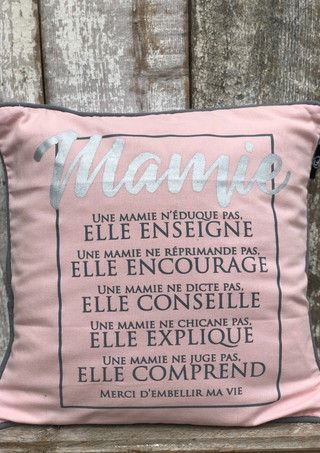 """Coussin """"Une mamie"""""""