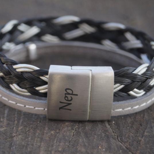 bracelet kyrja