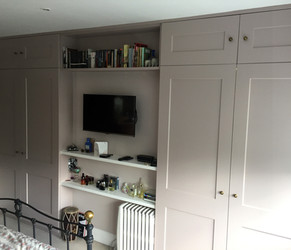 Fitted Wardrobes, N4