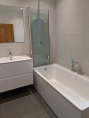 Bathroom installation, N8
