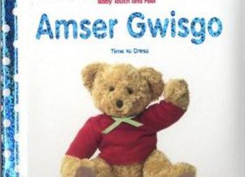 Babi Cyffwrdd a Theimlo: Amser Gwisgo