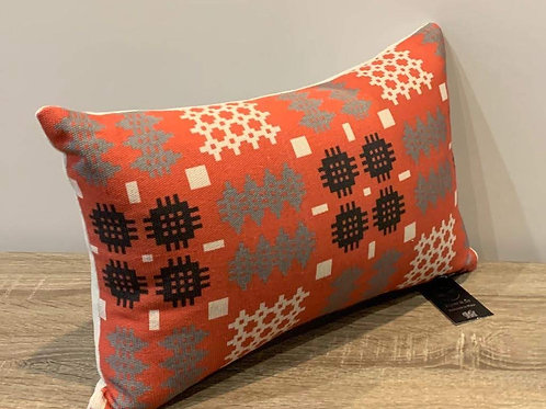 Clustog Tapestri / Tapestry Cushion