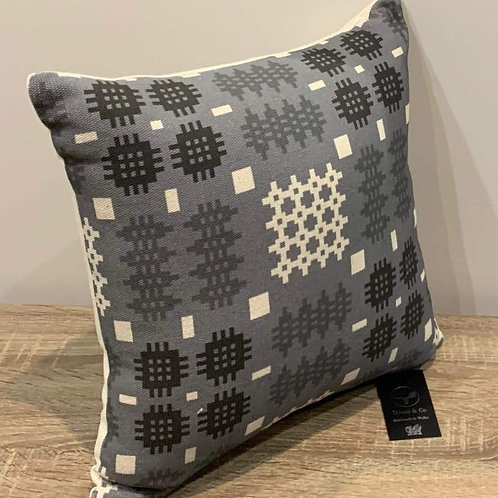 Clustog Tapestri / Tapestry Cushion