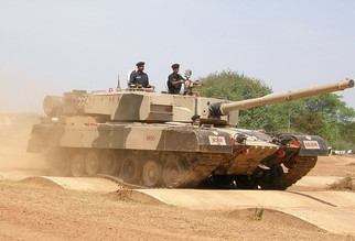 800px-Arjun_MBT_bump_track_test.jpg