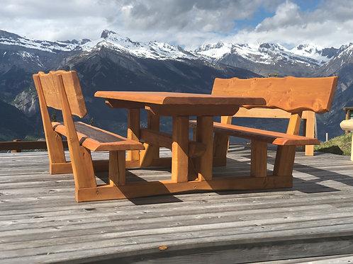"""Table modèle """"Mont-Fort"""""""