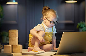 girl-working-on-a-computer-DSFVZM8.jpg