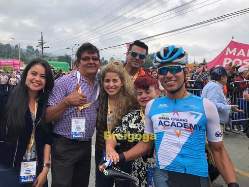 Edwin Ávila y familia