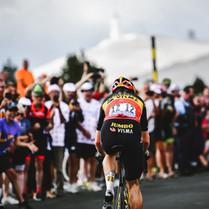 Van Aert dominó en Mt. Ventoux, se sacudió el podio