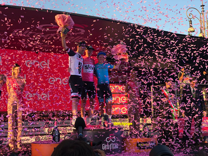 El podio final del Giro 101