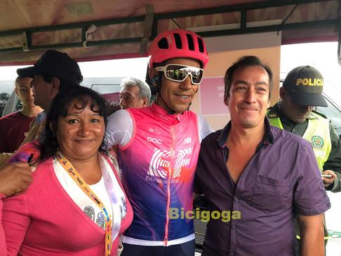 Daniel Martinez con sus padres