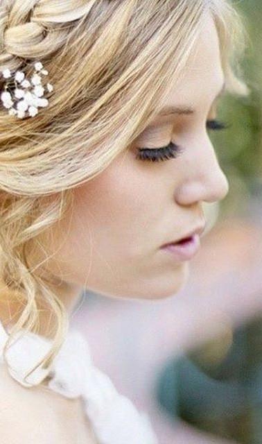 #bride#hair#wreath#spring#niagara#loose#