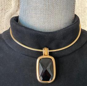 Onyx Emblem Nacklace