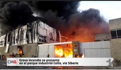 Incendio en parque industrial Celta, vía Siberia, deja tres heridos