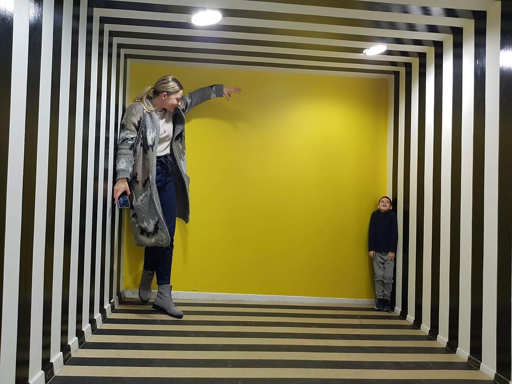 Muzeul unde nimic nu este ceea ce pare, într-un Mall din București
