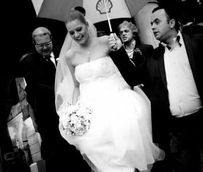 Povestea rochiei de mireasa