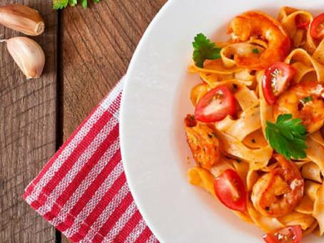 4 aplicații care te ajută să comanzi zilnic mâncare proaspătă
