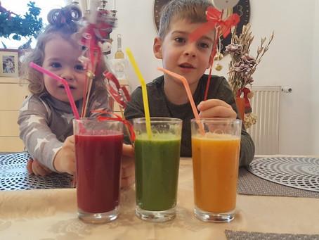 3 în 1. Sucuri în trei culori si o reţetă de supã de telină (VIDEO)