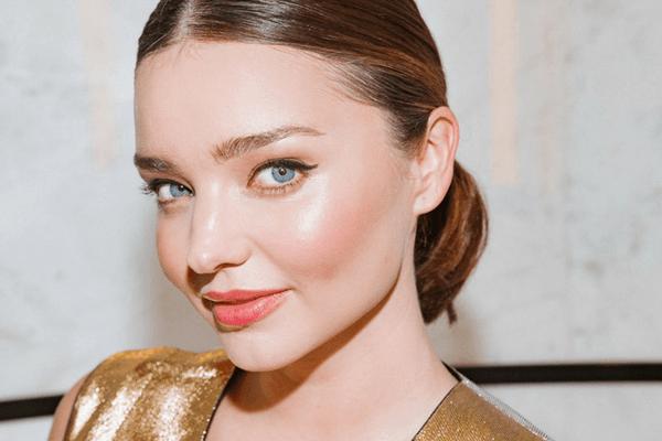 O piele de superstar: Secretele de frumusete ale Mirandei Kerr pentru un ten curat