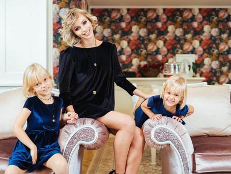 Actrita Andreea Perju, un super-erou pentru fiicele sale
