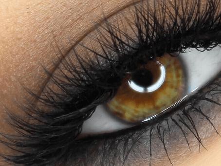 Smokey Eyes: un machiaj de seară atrăgător