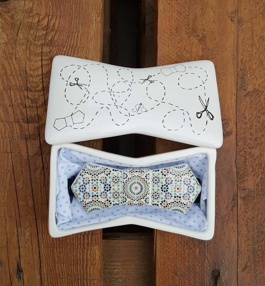 Ceramic Bow Tie with case