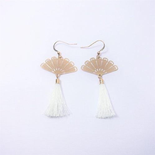[Back In Stock] Aria Oriental Gold Fan (White Tassel)