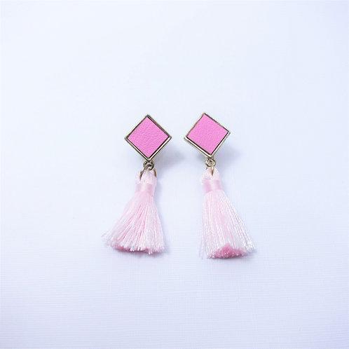 Daisy Pink Tassels