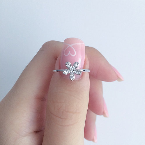 Single Daisy Silver Ring (adjustable)