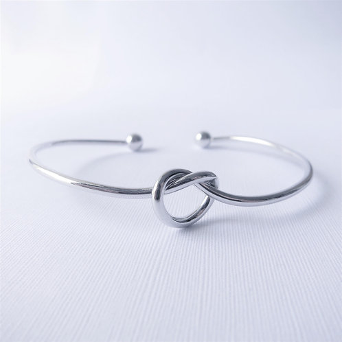 Nora Knot Bangle