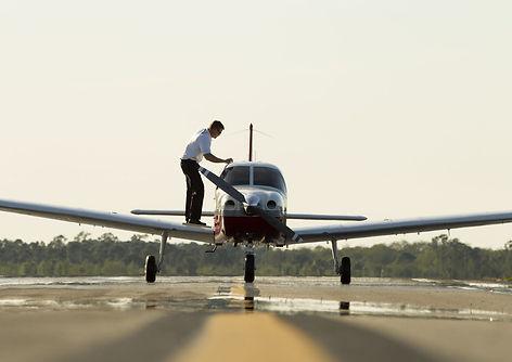 Flight-Training_Hero_Small-1650x1100.jpg